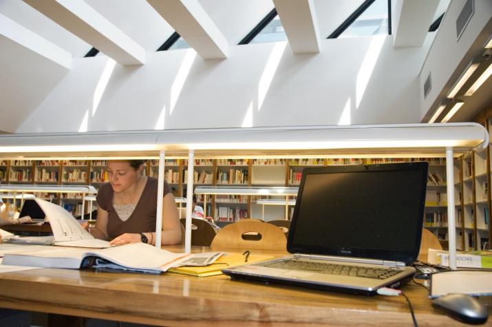 Bibliotheque - Un lieu studieux et esthétique